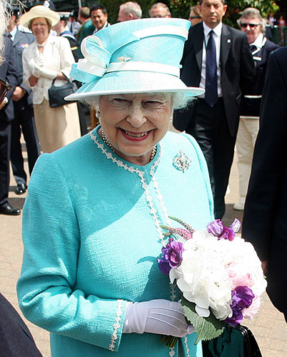 The-Queen-arrives-at-Wimb-013