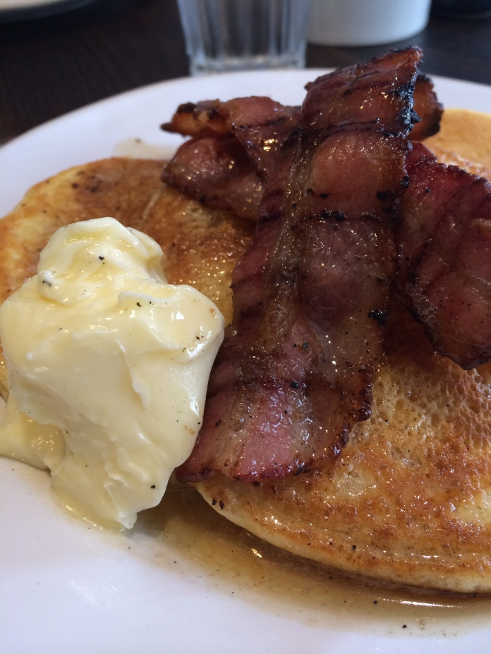 The BEST pancakes with maple syrup and streaky bacon at Gail's Kitchen