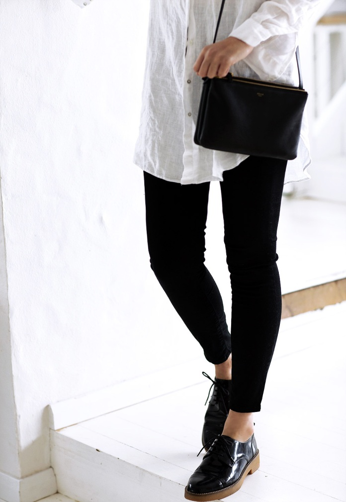 chronicles-of-her-black-brogues-oxfords-jeans-white-shirt