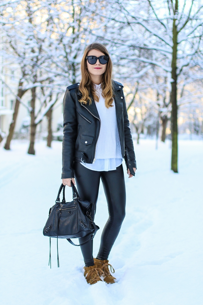 Leather_Jacket_Snow_3