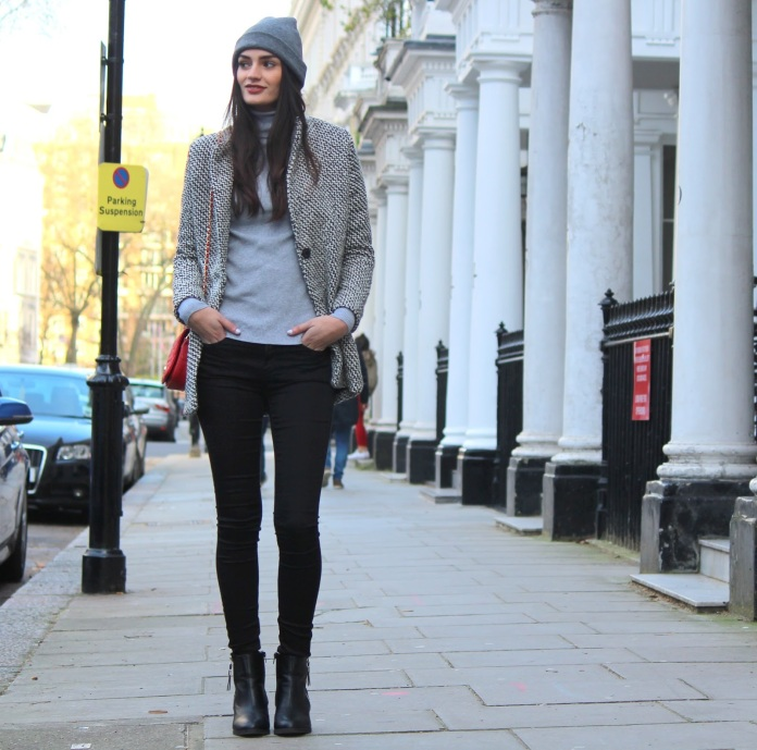 peexo-fashion-winter-beanie-grey-sheinside-marc b-red bag-monochrome-coat-roll neck-black jeans (8)