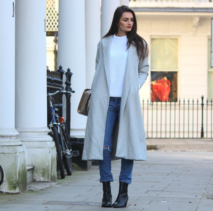peexo-fashion-winter-long coat-grey-sheinside-maxi-high neck-ripped jeans-mom jeans-vintage (7)